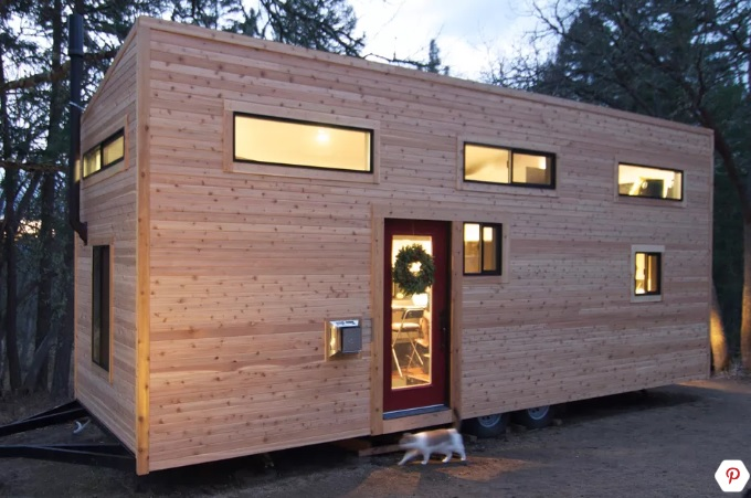 Габриела и Андрю си взеха малка каравана и не е за вярване в каква феноменално красива къща я превърнаха (СНИМКИ)
