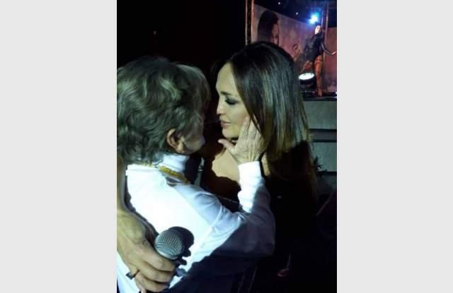 Защо Глория се разплака неочаквано на сцената СНИМКА (2)
