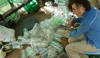 Мъж събирал пластмасови бутилки цяла зима…съседите му се смеели, но сега не им се вярва!