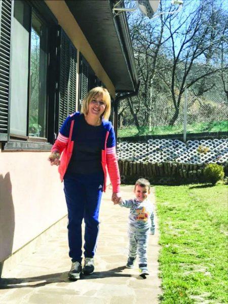 Мая Манолова показа внучето (Вижте Максим колко прилича на баба си – Снимка)