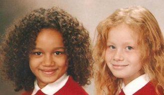 Когато се родиха, никой не повярва, че са близначки. Ето как изглеждат момичетата 20 години по-късно (Снимки)
